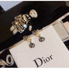 ディオール Dior ピアスセール 本当に届くスーパーコピー店