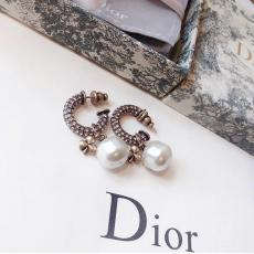 Dior ディオール ピアスレプリカ激安代引き対応