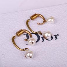 定番人気 Dior ディオール ピアスブランドコピー代引き国内安全後払い優良サイト