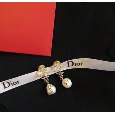 Dior ディオール イヤリング本当に届くブランドコピー安全後払い店