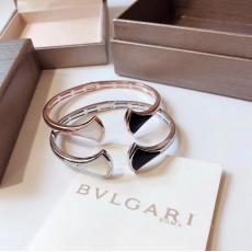 Bvlgari ブルガリ バングル値下げ コピー 販売