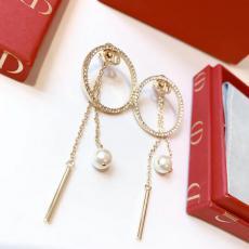 Dior ディオール ピアスセール価格 本当に届くスーパーコピー 口コミおすすめ店