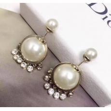 新作 ディオール Dior ピアス特価 ブランドコピー販売口コミ代引き後払い国内安全店