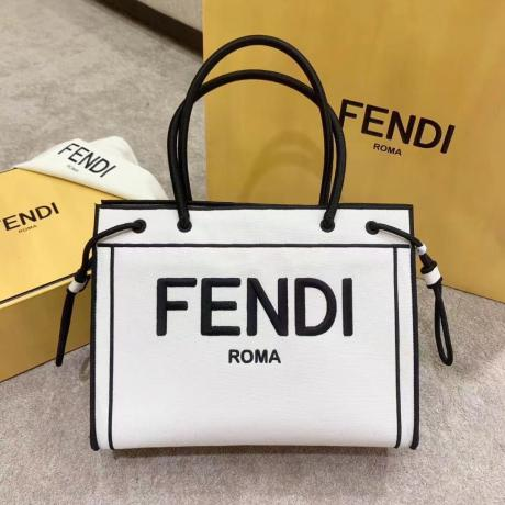即発注目度NO.11 フェンディ FENDI トートバッグ本当に届くブランドコピー代引き後払い店