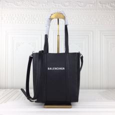 セレブ愛用 バレンシアガ BALENCIAGA トートバッグ斜めがけコピー最高品質激安販売