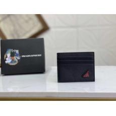 新作入手困難 プラダ PRADA 財布本当に届くブランドコピー国内安全後払い代引きサイト