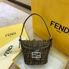 完売前に新作を先取り FENDI フェンディ ショルダーバッグトートバッグ本当に届くスーパーコピー店