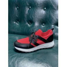 即完売必至 プラダ PRADA ローファー2色カジュアルシューズ運動靴スニーカーランニングシューズ バスケットシューズローカットウォーキングシューズシンプル靴コピー最高品質激安販売