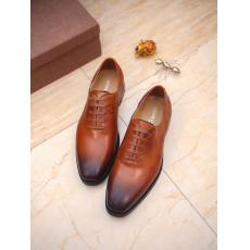 ヴィトン LOUIS VUITTON  革靴紐通勤 2色メンズおしゃれビジネスシューズセール 本当に届くブランドコピー 口コミ国内安全後払いおすすめ店