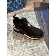 希少お早めに LOUIS VUITTON ルイヴィトン ウォーキングシューズカジュアルシューズ運動靴2色快適おしゃれ定番メンズ軽量疲れない通気性本当に届くブランドコピー国内発送後払い店